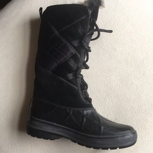 Clarks Shoes - NWT Clarks waterproof muck boots sz 5